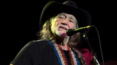 Willie Nelson 2009, count basie theater, New Jersey. http://www.flickr.com/people/2080131