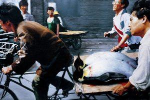 Wang Xingwei. Nuevo Pekín (New Beijing), 2001. M+ Sigg Collection, Hong Kong, donación. Foto: cortesía M+, Hong Kong.
