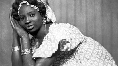 Photo Mama Casset, 'Studio African Photo', Dakar, Sénégal, ca.1950-60 (si date précise, voir dans le nom du fichier) Estate of Mama Casset / courtesy Revue Noire.