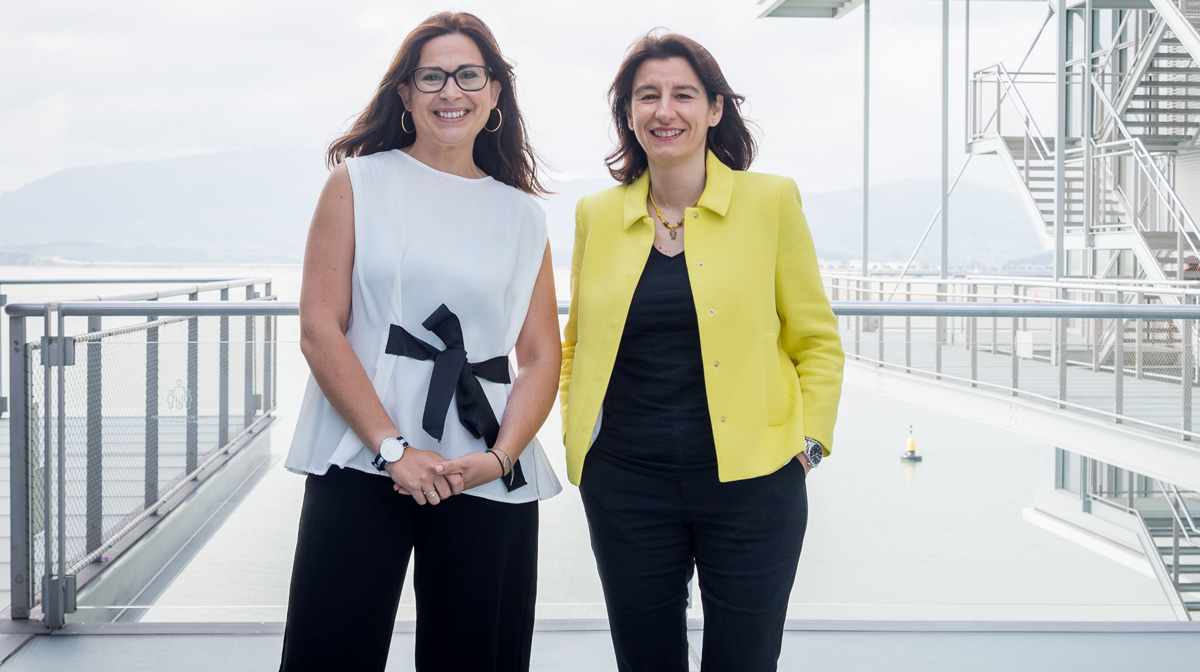 Fátima Sánchez, directora ejecutiva del Centro Botín, y Miriam Díaz, concejala de Cultura del Ayuntamiento de Santander.