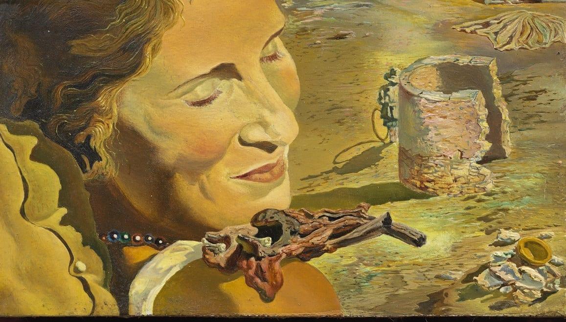 Salvador Dalí. Retrato de Gala con dos costillas de cordero en equilibrio sobre su hombro. C. 1934. Fundació Gala-Salvador Dalí, Figueres © Salvador Dalí, Fundació Gala-Salvador Dalí, VEGAP, Barcelona, 2018.
