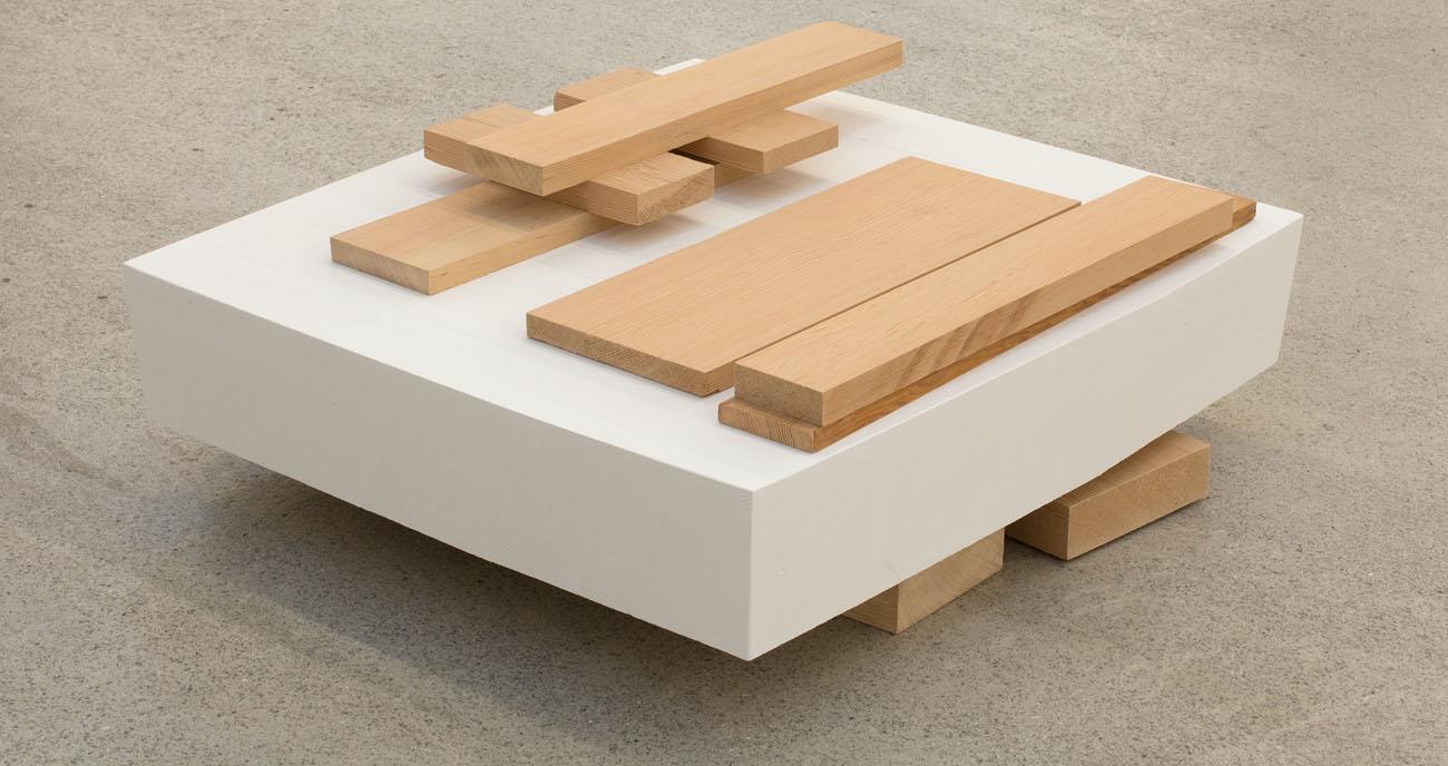 Ángel Bados. Untitled, 2011. Plaster, wood. 53 x 55 x 22cm.