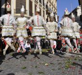 Danza de los tornejants en la fiesta de la Mare de Deu. Algemesí (Valencia). Foto: Ayuntamiento de Algemesí.