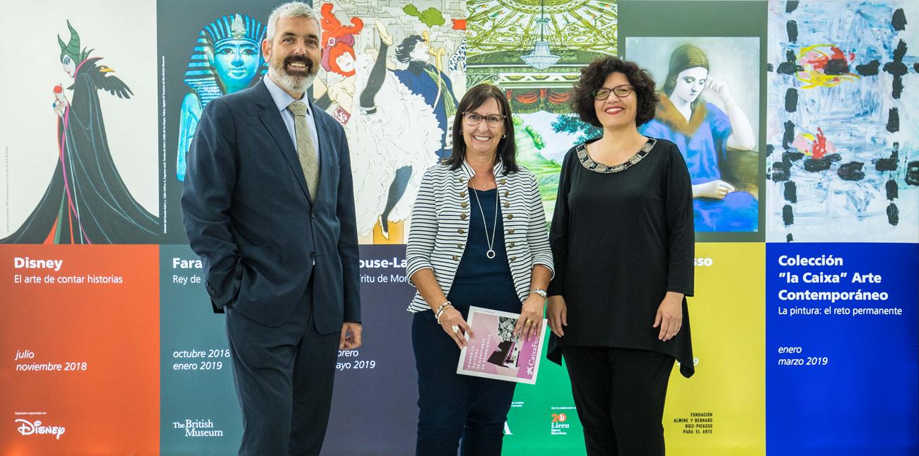 """De izquierda a derecha: el director del Área de Cultura de la Fundación Bancaria """"la Caixa"""", Ignasi Miró; la directora general adjunta de la Fundación, Elisa Durán, y la directora de CaixaForum Madrid, Isabel Fuentes."""