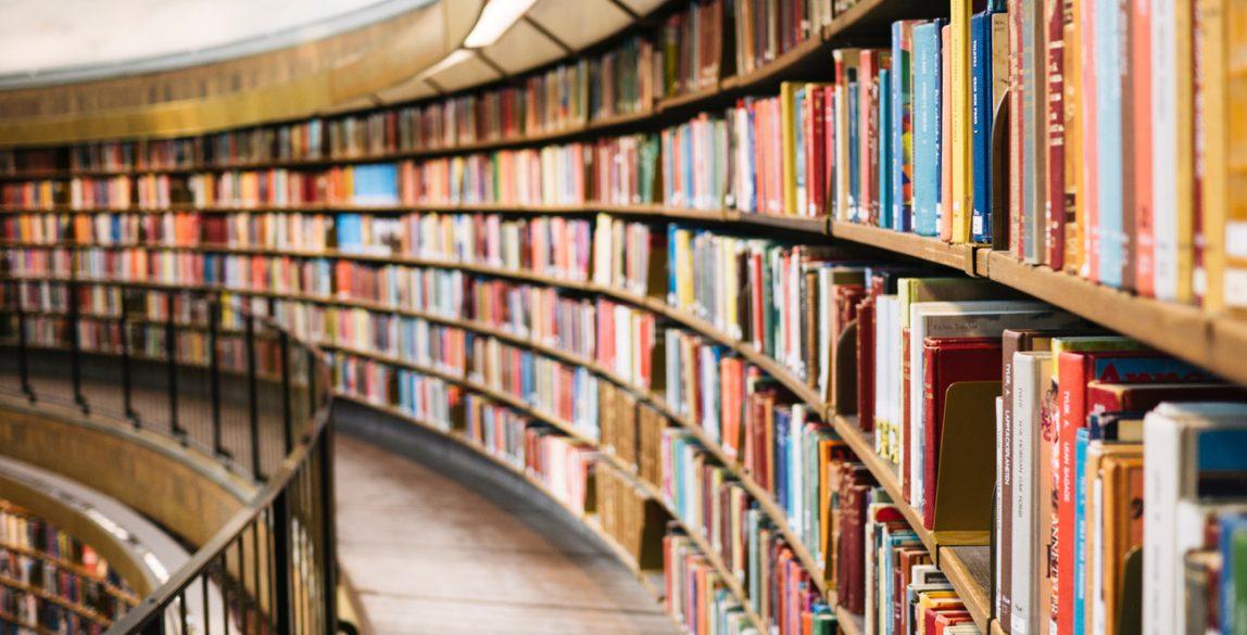Libros. Photo by Susan Yin on Unsplash.