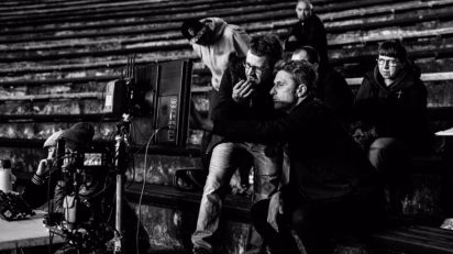 """Łukasz Żal et Pawel Pawlikowski sur le tournage de """"Cold War"""". Photo Łukasz Bąk."""