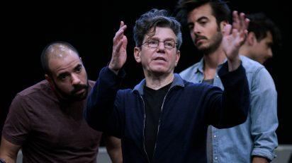 José Carlo Marino (coro), Robert Carsen (director de escena) y Álvaro Hurtado (actor). Fotógrafo: © Javier del Real | Teatro Real.