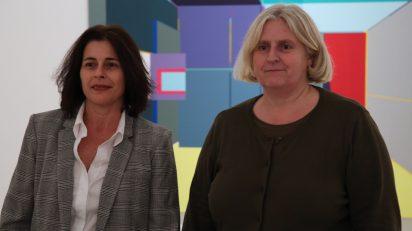 Gerente del CAC Málaga, Silvye García, y la nueva directora artística, Helena Juncosa.