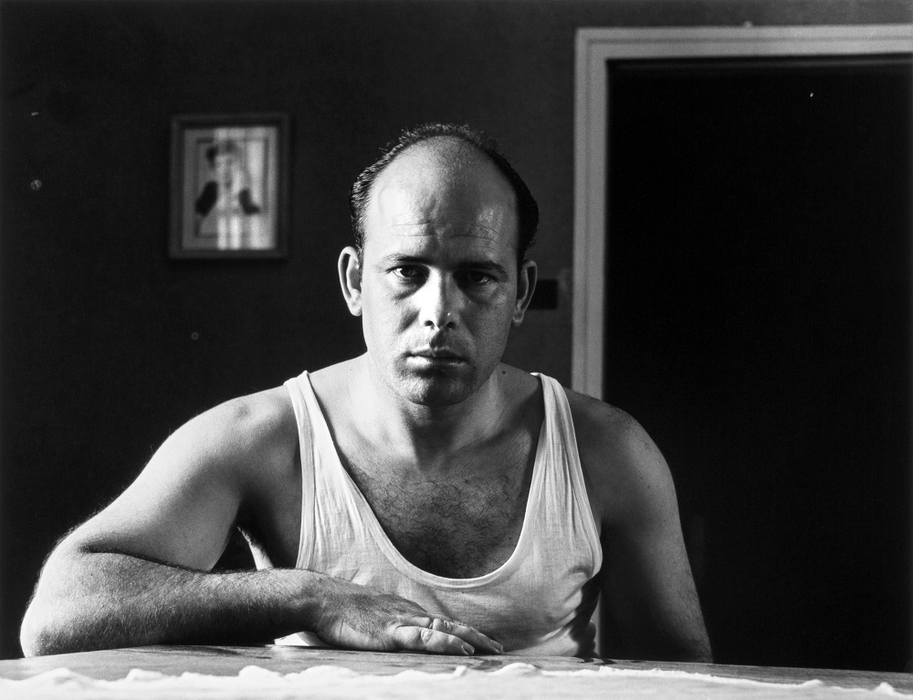 Autorretrato con camiseta, 1958. Gabriel Cualladó.