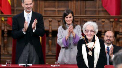 Ida Vitale tras recibir el Premio Cervantes. © Casa de S.M. el Rey.