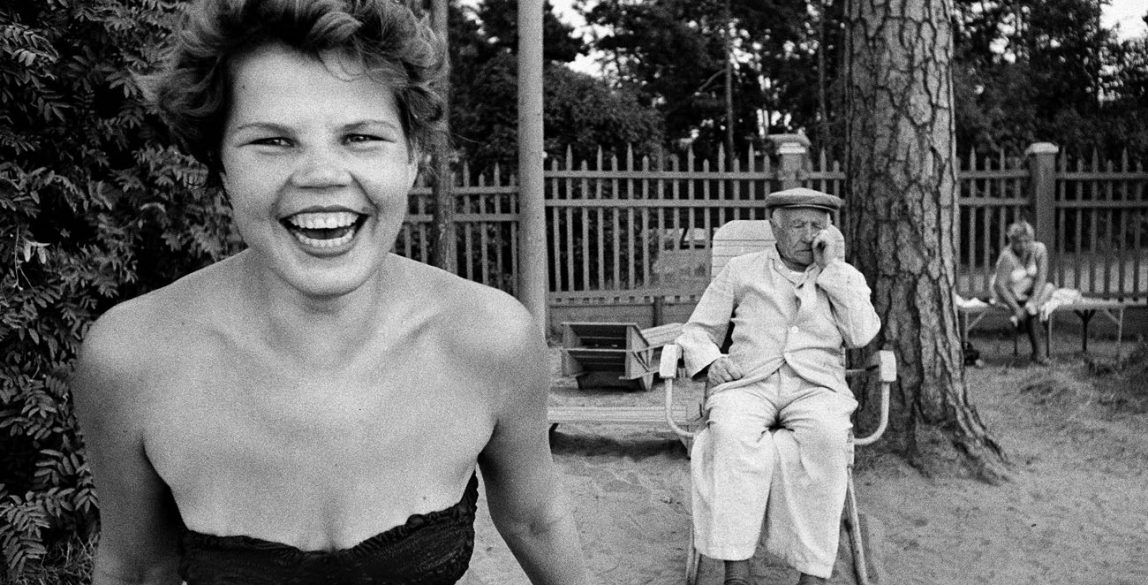 Bikini, Moscova river's beach, Moscow 1959 ©William Klein.