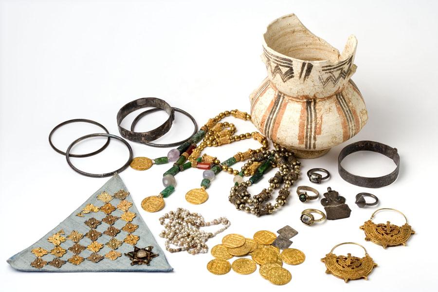 Tesoro de Costitx, ¿ajuar de novia? (Museu de Mallorca).