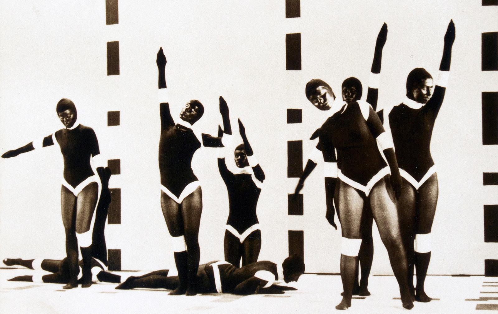 Analivia Cordeiro, M3X3, 1973 (fotograma del vídeo). Videoinstalación. Tres proyecciones, color, sonido, reproducción continua, medidas variables. Colección BEEP de Art Electrónico. © de la obra, Analivia Cordeiro, 2019.