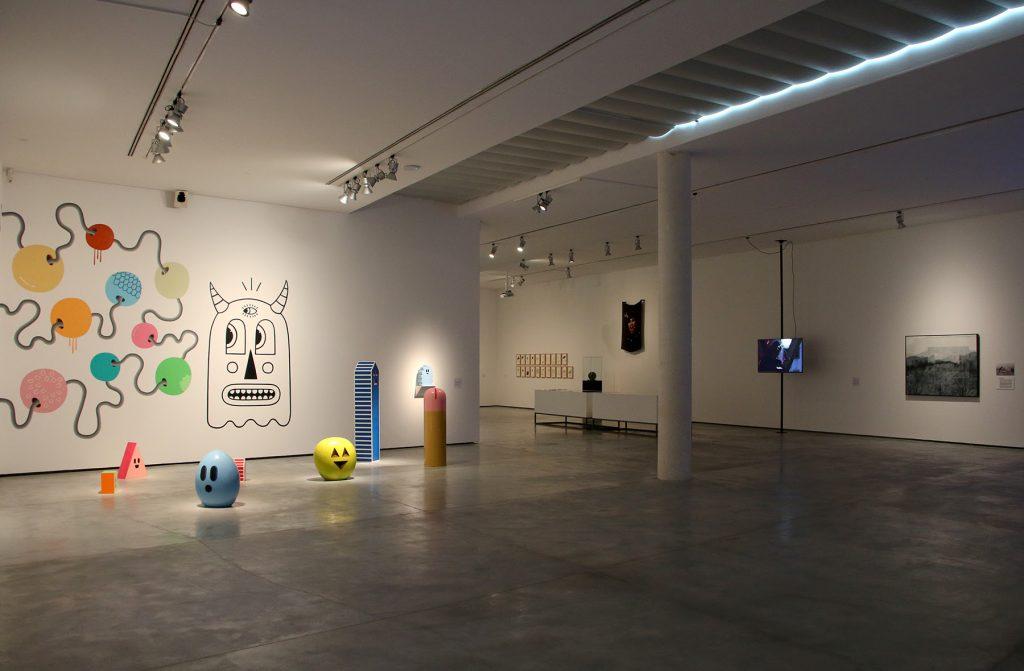 Vista de sala de la exposición «On rau la realitat?», Es Baluard Museu d'Art Modern i Contemporani de Palma, 2019. © Es Baluard, 2019.