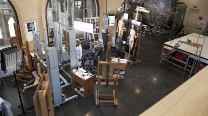 Trabajos de restauración en los talleres del Museo del Prado.