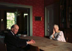 Thomas Struth. Eleonor y Giles Robertson, Edimburgo 1987 (Eleonor and Giles Robertson, Edinburgh 1987). Impresión de chorro de tinta. 68 x 86 cm. © Thomas Struth.