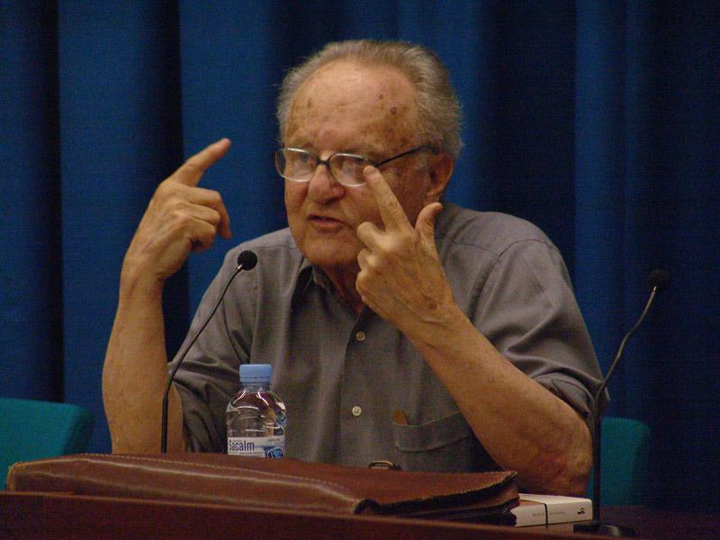 Gabriel Jackson en una conferencia en la Universidad de Barcelona en 2006. Foto: Delatorre.