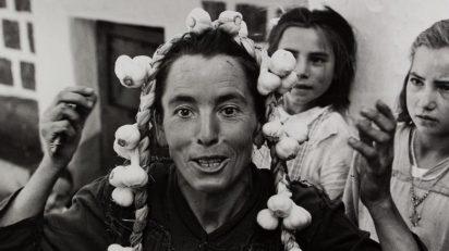 Fotografía del libro 'Caminando por las Hurdes', 1960. MNAC/ARCHIVO FOTOGRÁFICO ORIOL MASPONS.