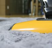 snow-floor-glass-vehicle-yellow-cleaner-1211375-pxhere.com_
