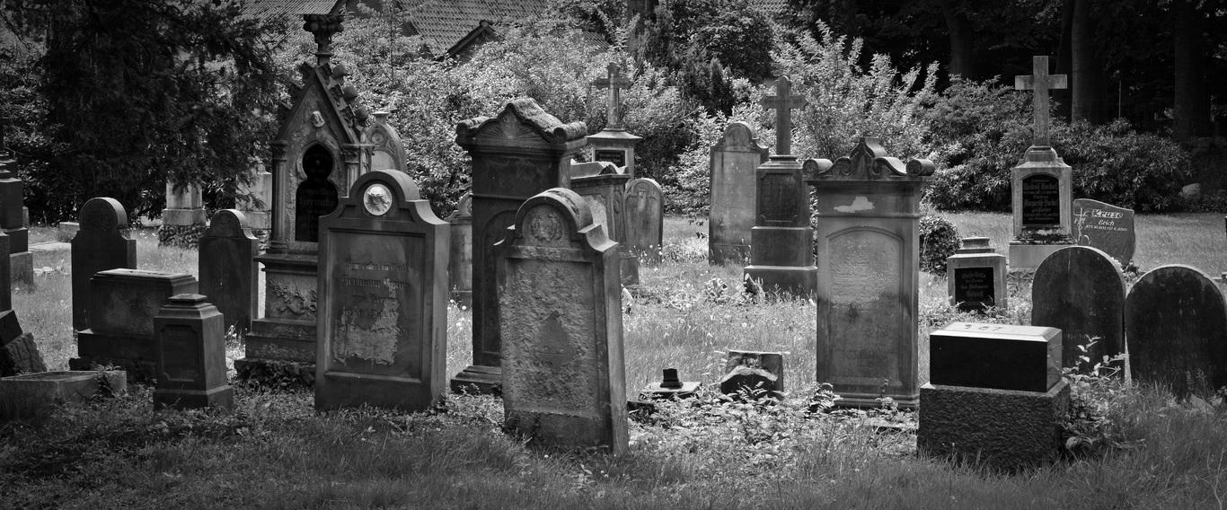 cementerio black-and-white-old-cross-cemetery-monochrome-dead-566143-pxhere.com