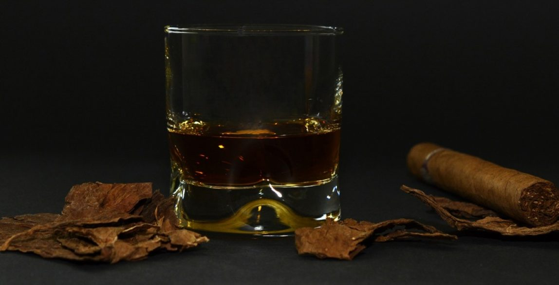 glass-smoking-banner-brown-drink-still-life-600820-pxhere.com