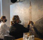 El Museo Thyssen restaura 'La Plaza de San Marcos en Venecia' de Canaletto. © Hélène Desplechin.