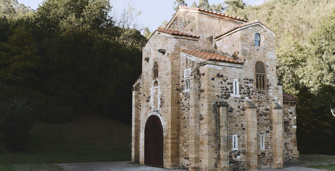 San Miguel de Lillo tras la restauración.