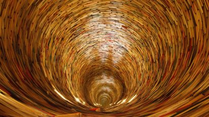 book-light-wood-tunnel-ceiling-prague-1158944-pxhere.com