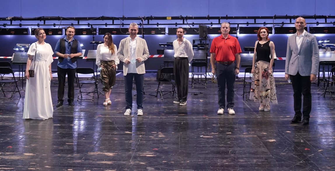 Participantes en la rueda de prensa de ´La Traviata'. © Javier del Real | Teatro Real.