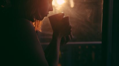 adult_art_blur_breakfast_coffee_cup_dark_girl-937869