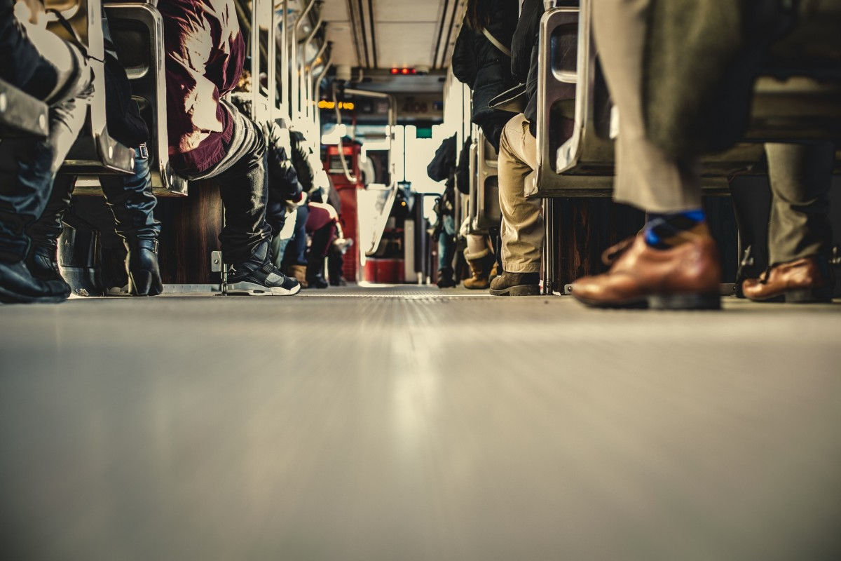 bus_transportation_people_aisle_shoes_seats-892809