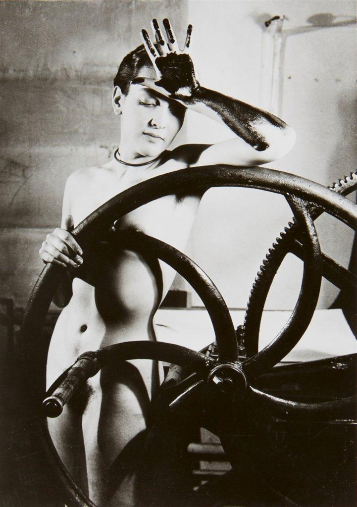 Man Ray. Sin Título (Erotique voilée), circa 1933. © Centre Pompidou, MNAM-CCI, Dist. RMN-Grand Palais/Georges Meguerditchian © Man Ray Trust, VEGAP, Málaga, 2019.