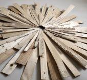 'Sol de Málaga'. Manuel Moreno Fernández. Tablillas de madera procedentes de cajas de fruta.
