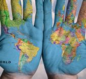 hands_world_map_global_earth_globe_blue_creative-760381.jpg!d