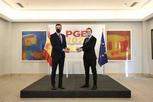 El presidente del Gobierno, Pedro Sánchez, y el vicepresidente segundo, Pablo Iglesias, presentan las claves del Proyecto de Presupuestos Generales del Estado para el ejercicio 2021. Pool Moncloa/Borja Puig de la Bellacasa.