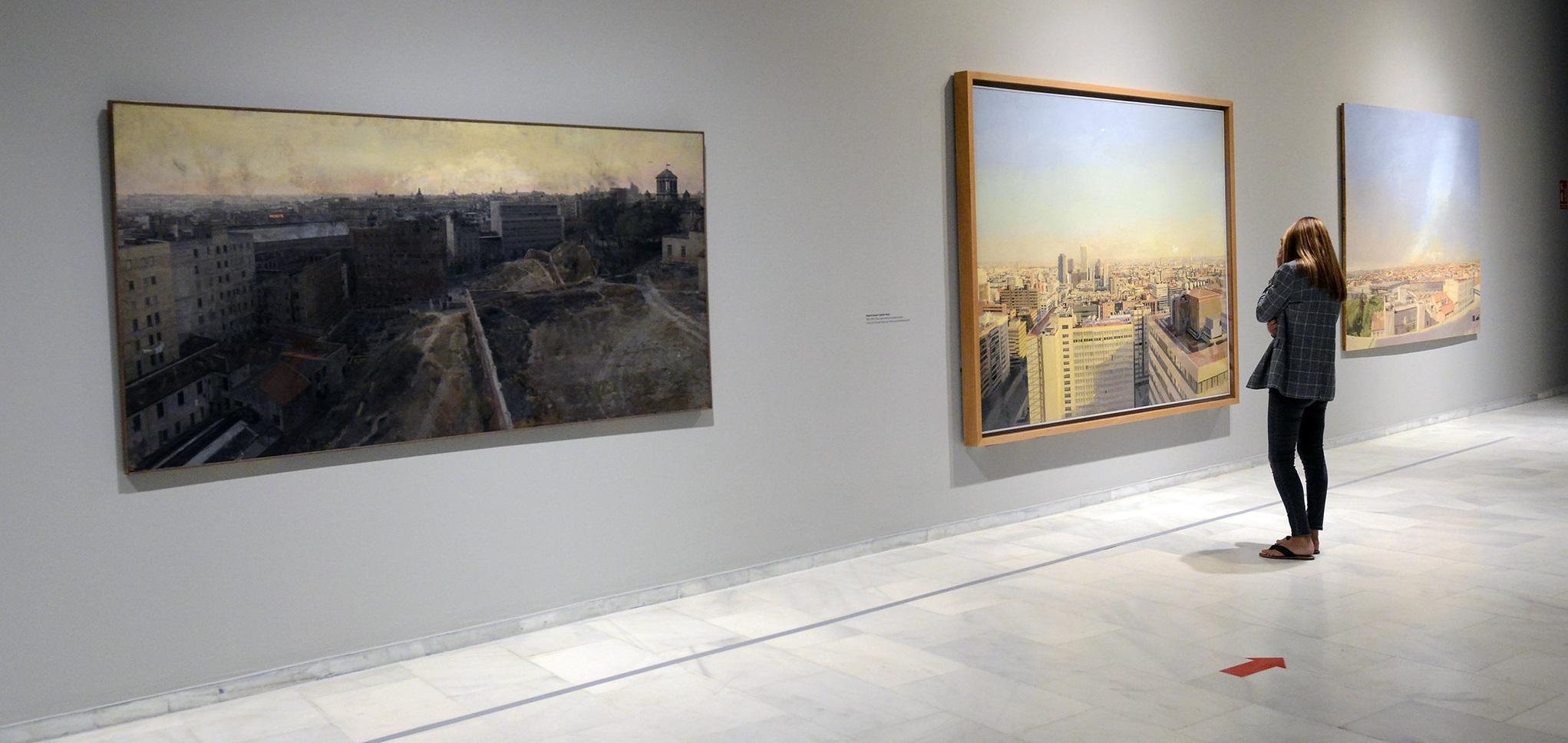 La exposición Antonio López ofrece una completa retrospectiva con un recorrido por la pintura, el dibujo y la escultura del artista desde los años 50 hasta la actualidad.