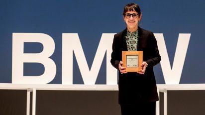 Victoria Iranzo gana el 35 Premio BMW de Pintura.