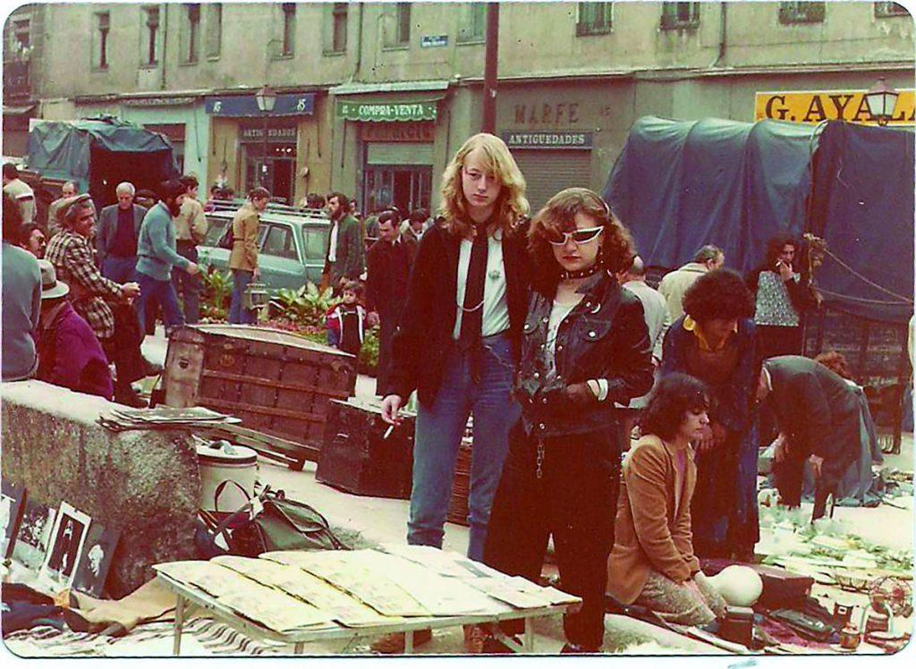 Alaska y Elisabetta en el Rastro (1977).