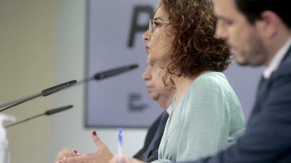 La ministra de Hacienda y portavoz del Gobierno, María Jesús Montero, durante su comparecencia en la rueda de prensa posterior al Consejo de Ministros. Foto: Pool Moncloa/JM Cuadrado.