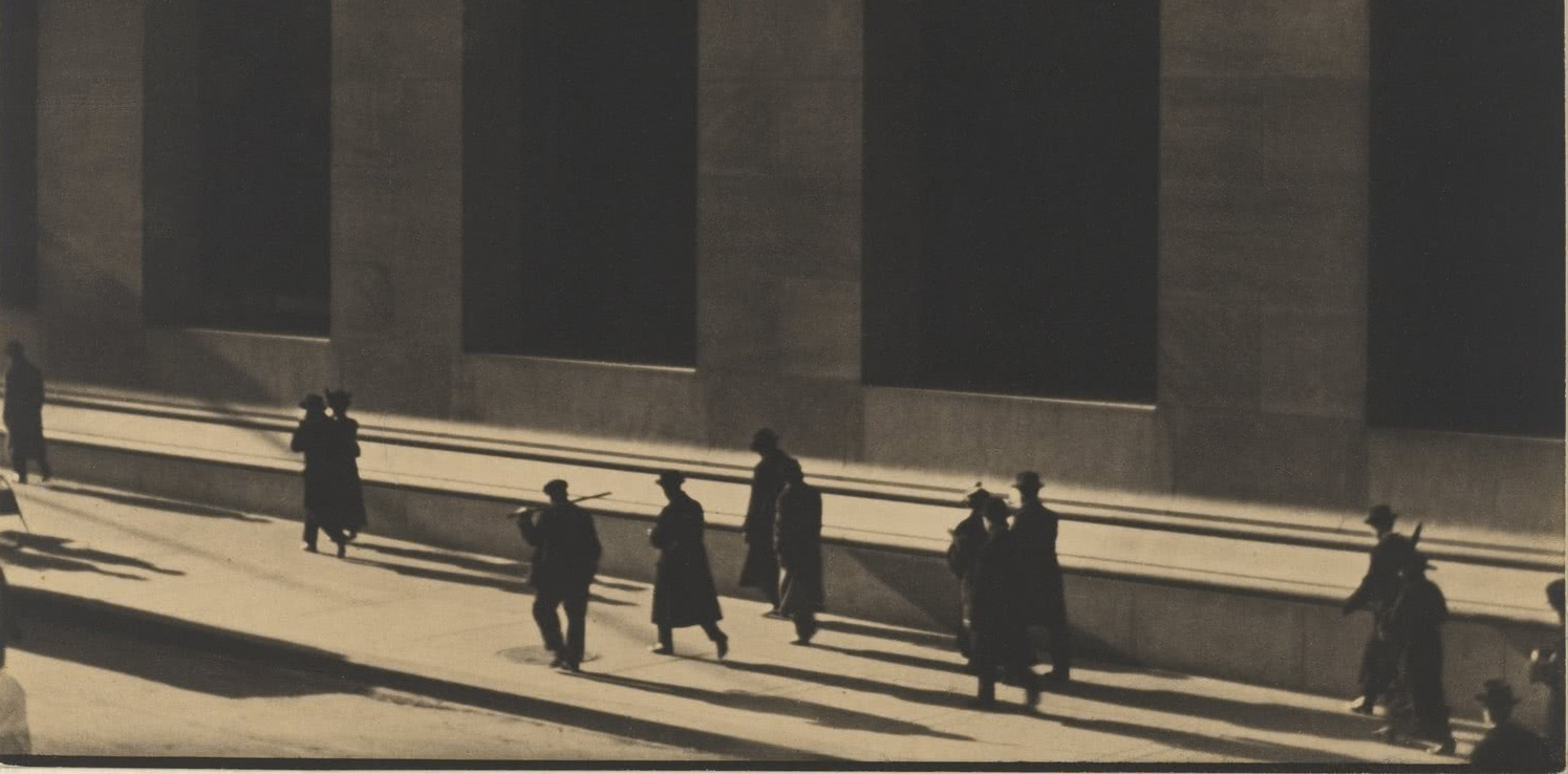 Wall Street, New York, 1915. Colecciones Fundación MAPFRE © Aperture Foundation Inc., Paul Strand Archive.