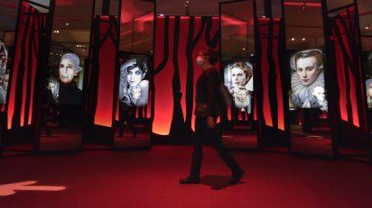 """'Vampiros. La evolución del mito', organizada conjuntamente por la Fundación """"la Caixa"""" y La Cinémathèque française, analiza la fascinación de los cineastas por esta figura terrorífica."""
