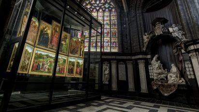 La 'Adoración del Cordero Místico' en su nueva ubicación. ©www.artinflanders.be. Foto: Cedric Verhelst.