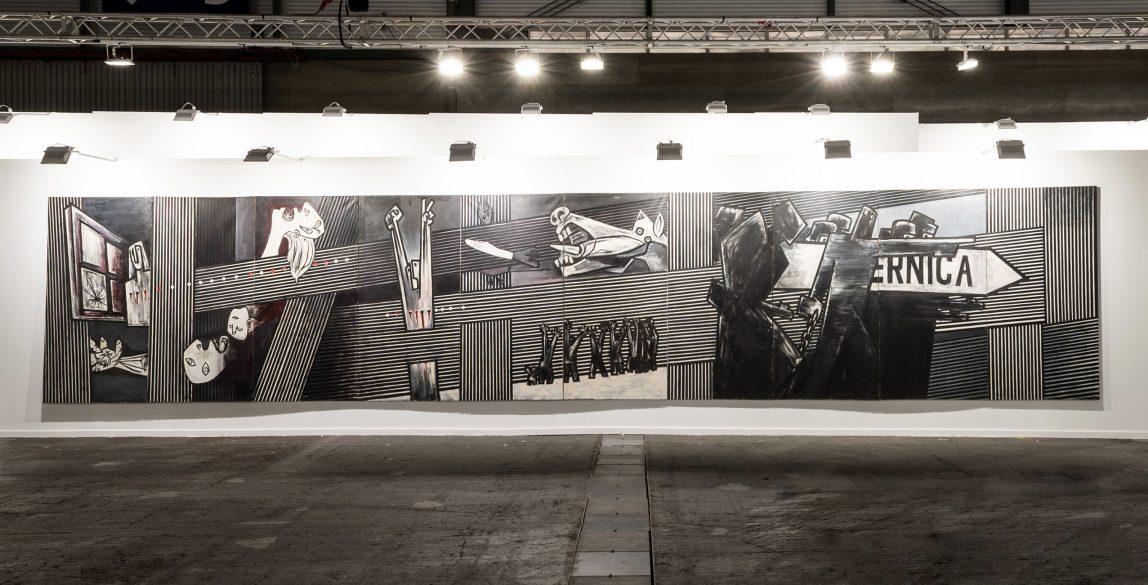 El 'Guernica' de Ibarrola en el stand de la Galería José de la Mano en ARCOmadrid 2021.